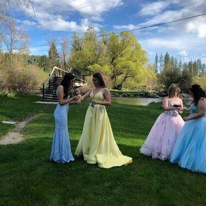 Prom dress (yellow one)